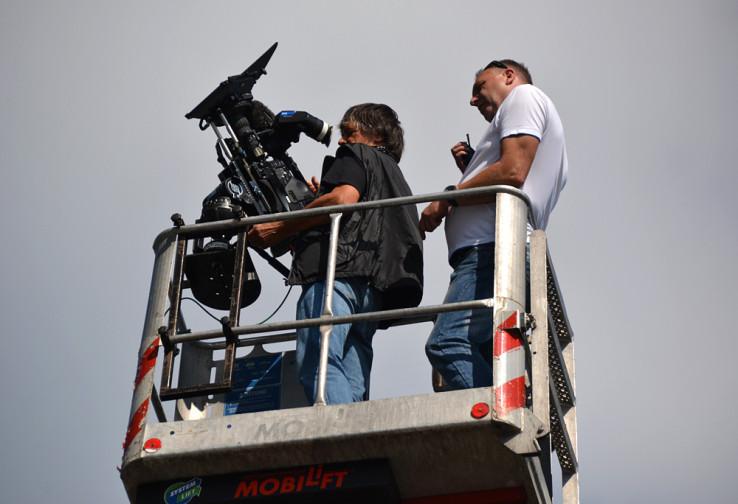 Kameramann Freddy Waldner (l.) und Steigerfahrer Udo Schmitz in der Kabine. Foto: Vera Lisakowski