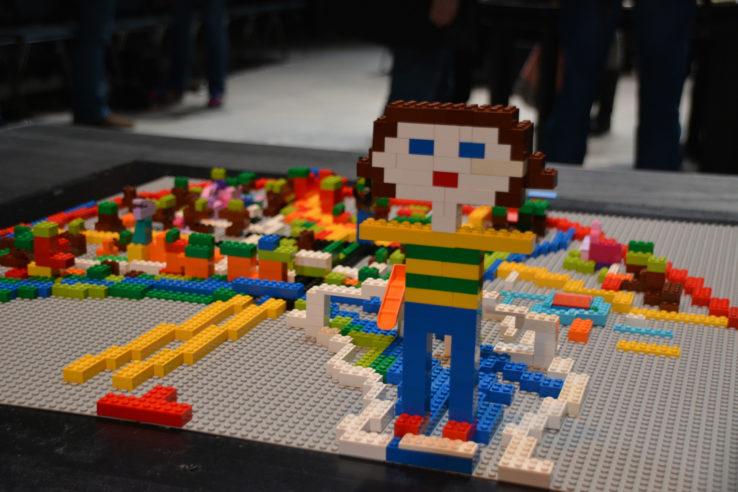 """Die """"Freiheitsstatue von Mülheim"""" in einer Lego-Vision aus einem der Workshops; Foto: Vera Lisakowski"""