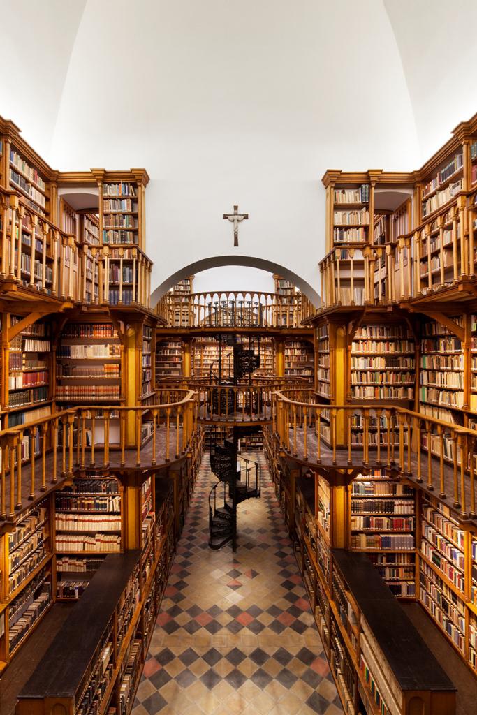 1606-3-01_0203_arensfaulhaber-lichtplaner_klosterbibliothek-maria-laach_jens-kirchner_Foto-klein