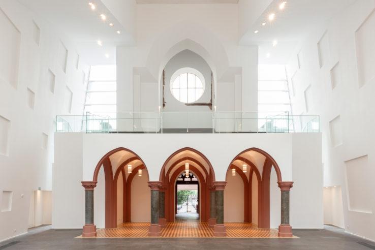 08_Christuskirche_Koeln_das-neue-Kirchenschiff-mit-Orgelempore