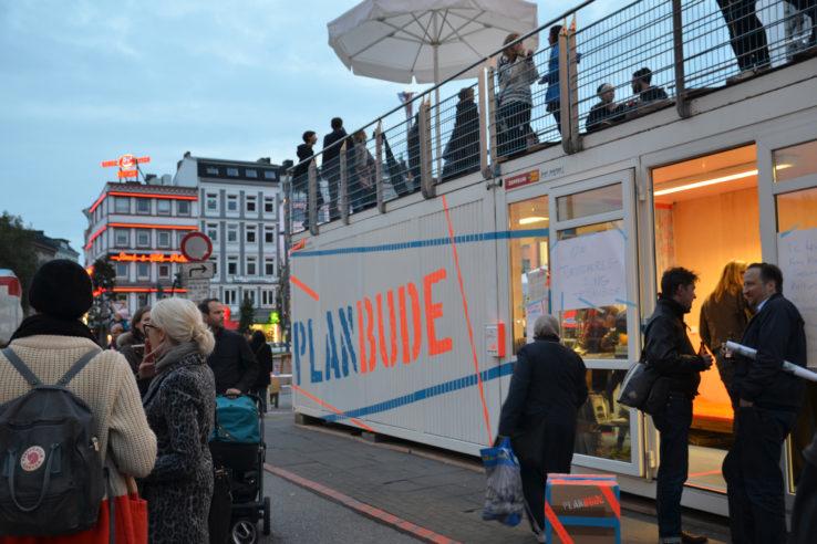 Container der Planbude auf dem Spielbudenplatz an der Hamburger Reeperbahn. Foto: Olaf Sobczak