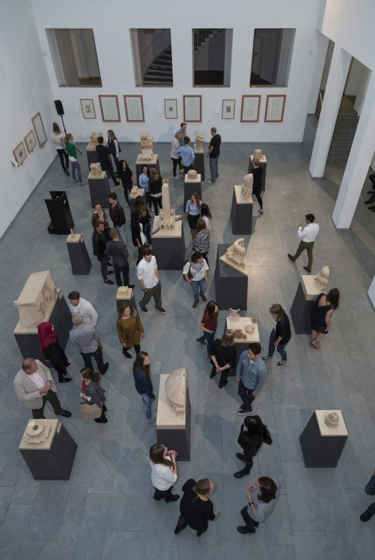 "Vernissage der Ausstellung ""Architektur begreifen / Modelll Raum Konstruktion"" Altes Museum am Ostwall am 01. September 2015"