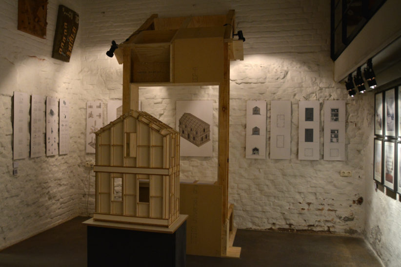 "Modelle für das Holzbausystem ""SimpliciDIY"" im Atelier SLOW. © Vera Lisakowski"