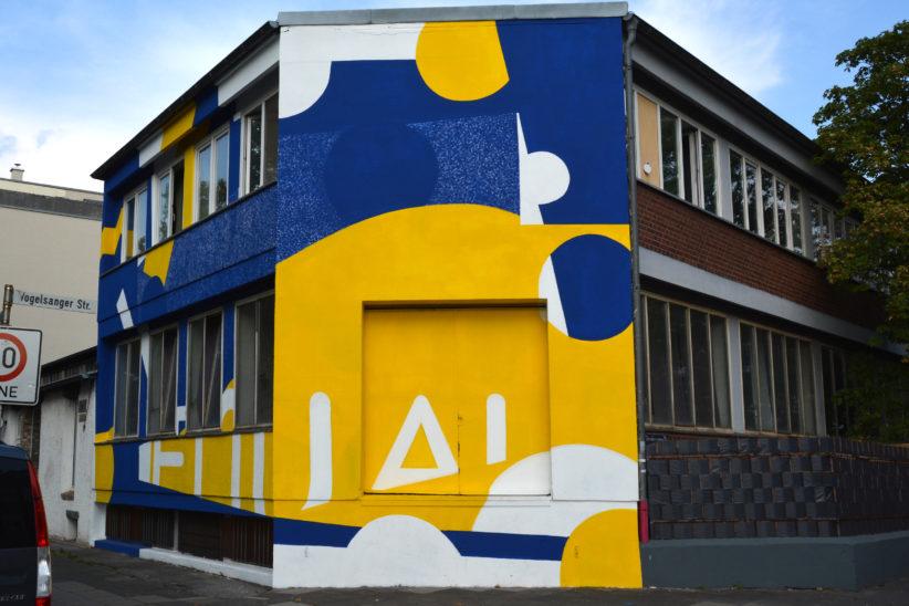 Von Matthias Hohmann aka Pomesone gestaltetes Gebäude in der Hospeltstraße. Foto: Vera Lisakowski