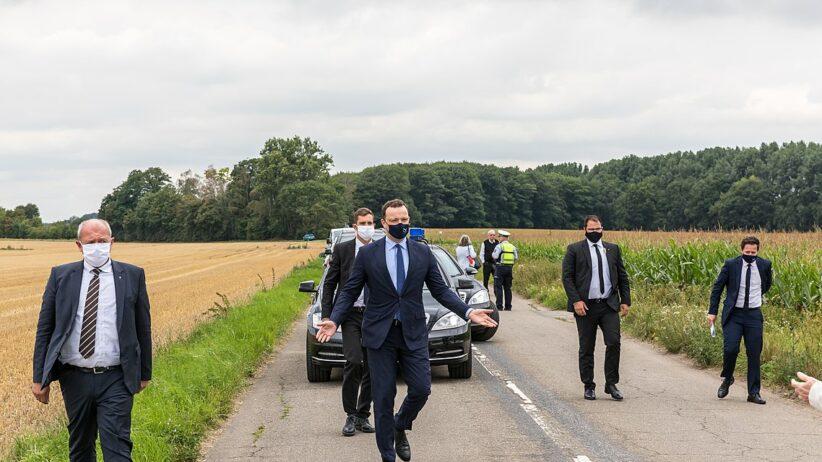 Ankunft Jens Spahn auf den Kreuzfelder Feldern bei der Plakatkampagne von Henriette Reker zur OB-Wahl 2020 © Raimond Spekking via wikimedia commons
